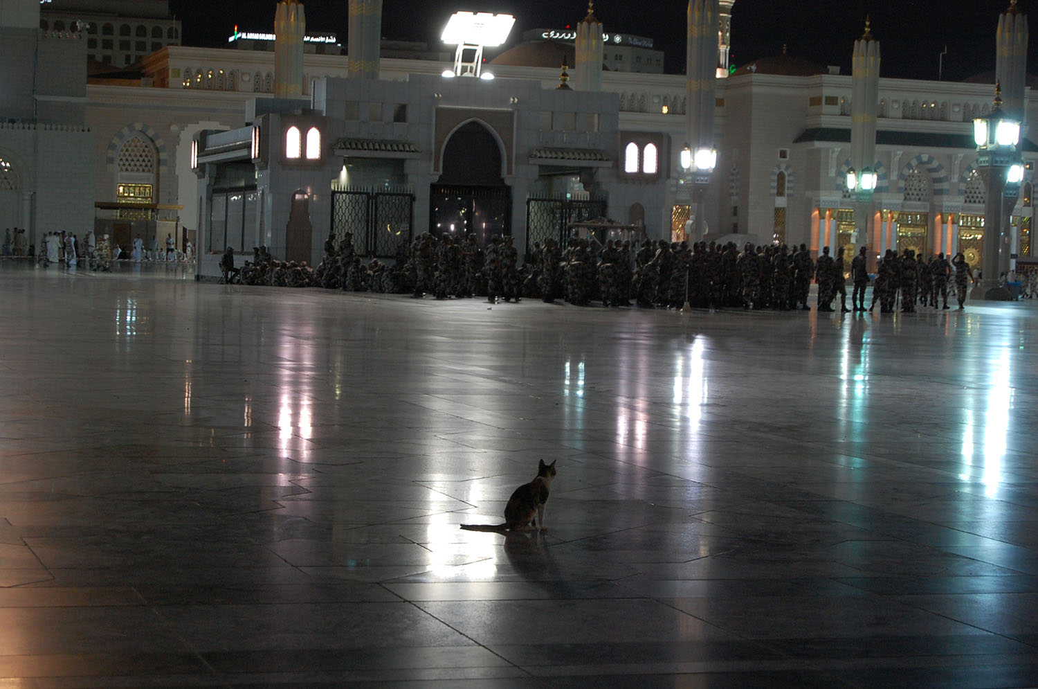 On a Thursday night, very holy to Shias, massive numbers of Saudi police cordon off entire areas of the Masjid al-Nabi to prevent the Shias from gathering.